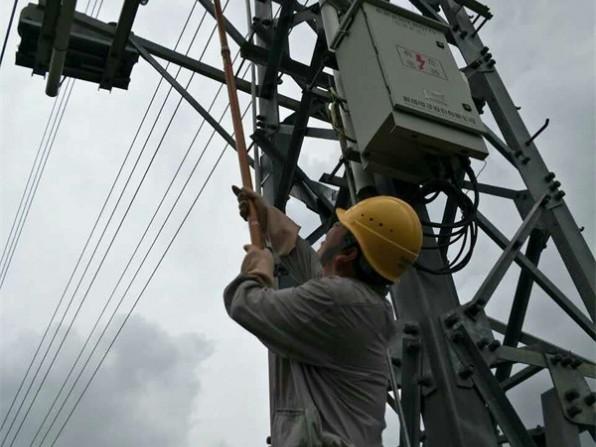 特大暴雨后的电力影响 使多地发生严重故障跳闸